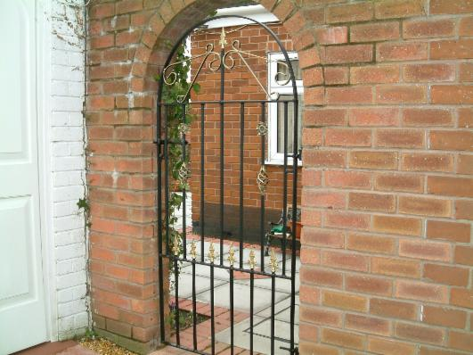 Side Gates Security Gates Www Tudorwroughtiron Com
